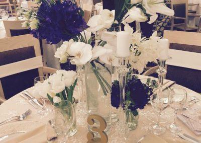 aranjament masa floral alb mov nunta wedding show 2017 cluj