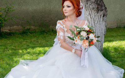 Roxana M Curt Flowers